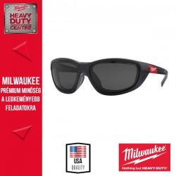 Milwaukee High Performance védőszemüveg tömítéssel sötétített-polarizált - 1 db