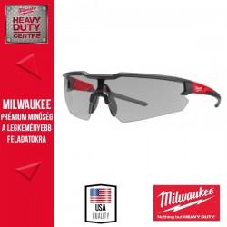 Milwaukee Védőszemüveg füstszínű - karc és párásodásmentes